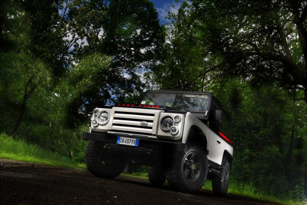 Land Rover Defender by Aznom (7)