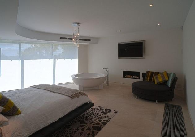 Modern Australian Maribyrnong Residence by Grant Maggs Architects (4)