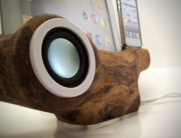 Apple iPhone iPad Tree Speaker Docking Station by RockAppleWood (3)