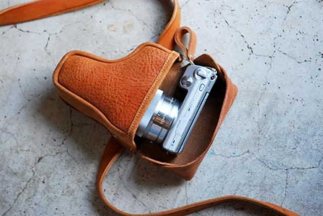 Gun Holder Camera Case by Roberu (3)