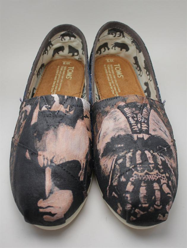 The Dark Knight Rises Toms Shoes (6)