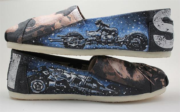 The Dark Knight Rises Toms Shoes (4)