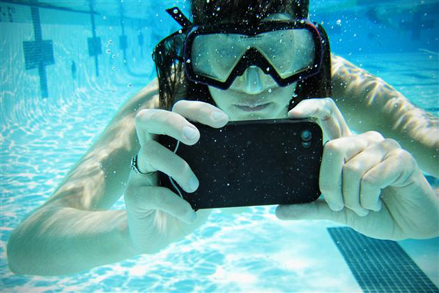 Waterproof Scuba Suit Case for Apple iPhone (1)