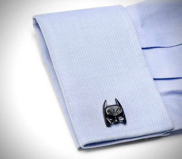 The Dark Knight Batman Cufflinks (2)