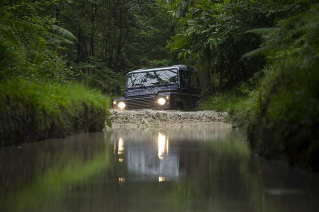 2013 Land Rover Defender (4)