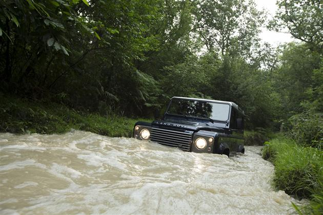 2013 Land Rover Defender (3)