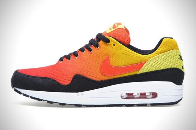 finest selection b1ff0 49bdf Nike Air Max Sunset Sneaker Pack   HiConsumption