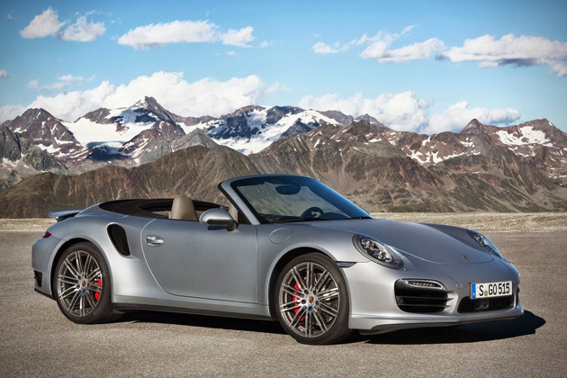 2017 Porsche 911 Turbo And S Cabriolet 01
