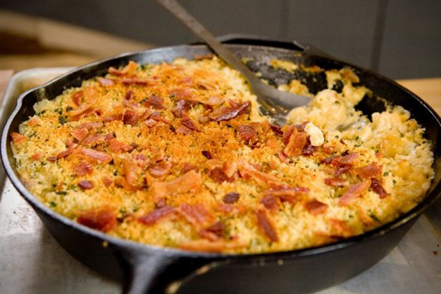 Skillet Bacon Mac and Cheese