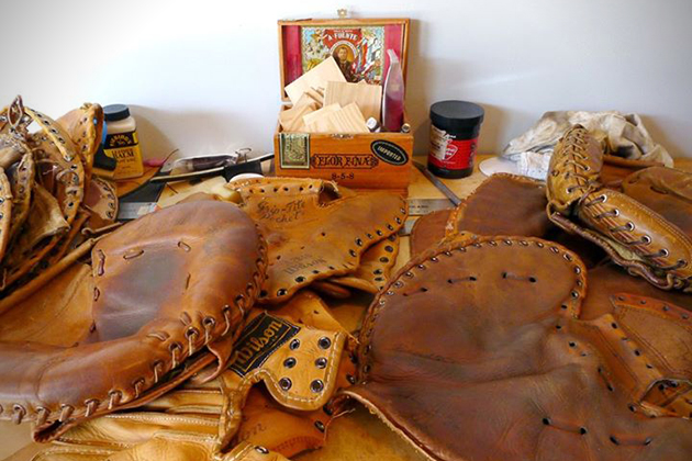 Vintage Baseball Glove Wallets 5