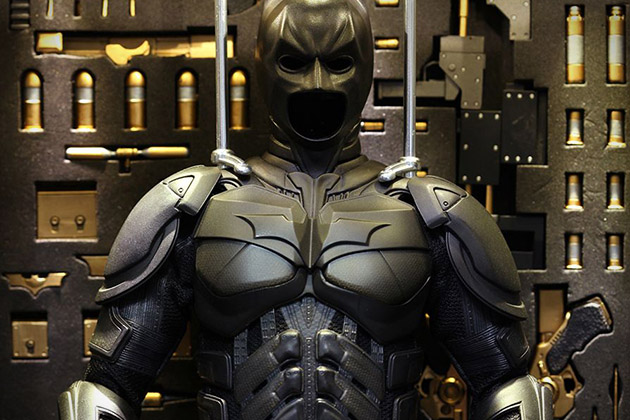 The Dark Knight Batman Armory With Collectible Figures 5