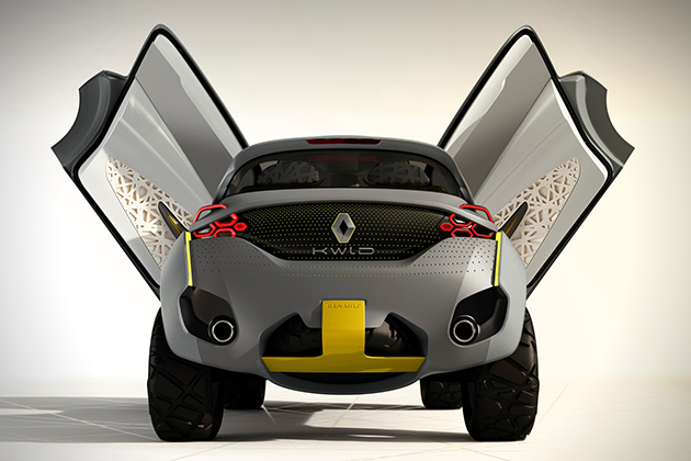 Renault Kwid Concept with Traffic Checking Drone 5