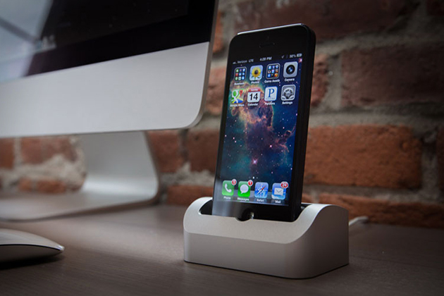 Elevation Dock 2 for iPhone 5 2