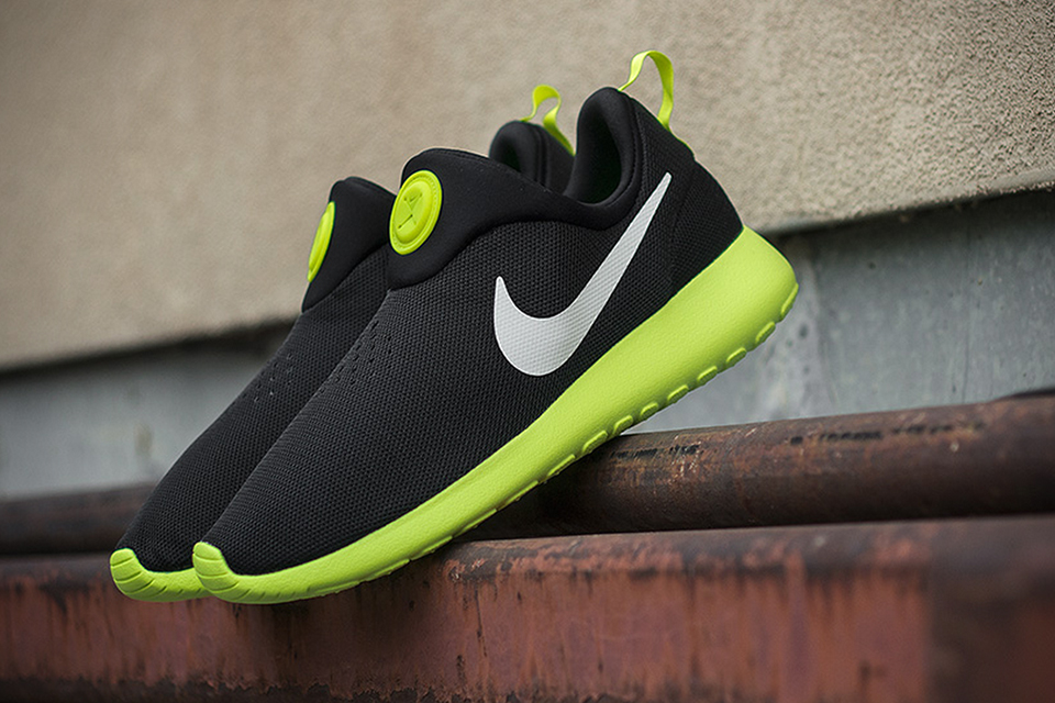 sports shoes f41c4 31020 Nike Roshe Run Slip-On  Black Volt   HiConsumption