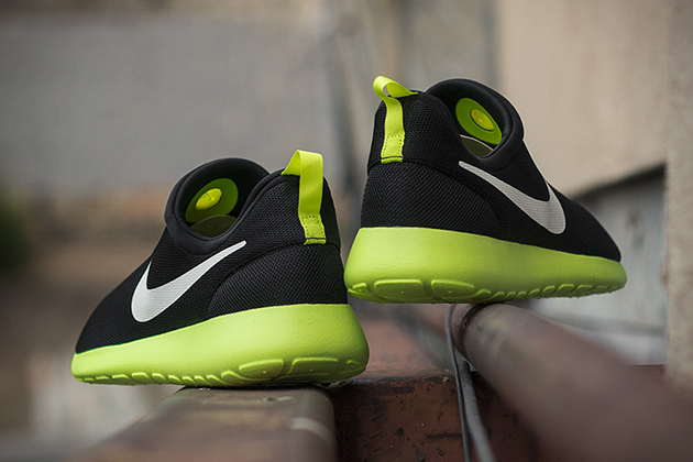 Nike Roshe Run Slip-On- Black Volt 4