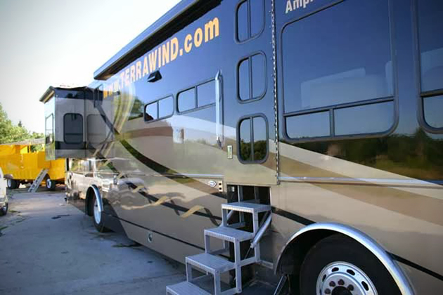 Terra Wind Amphibious Motorcoach 5