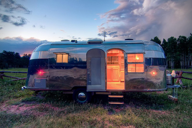 Custom Built Travel Trailers >> 1954 Orvis Airstream Flying Cloud Travel Trailer | HiConsumption