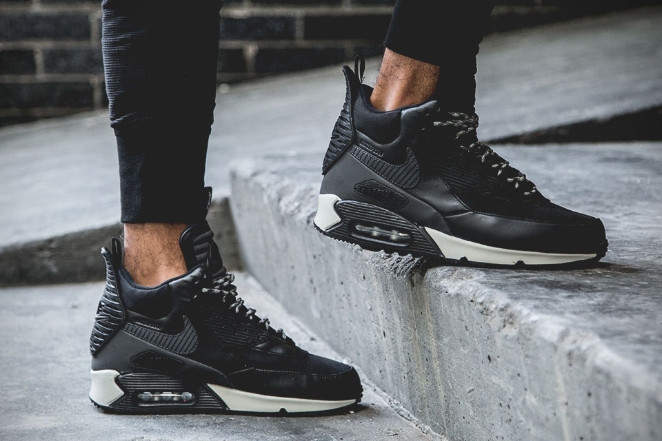 Nike Air Max 90 Sneakerboot  Black Reflective   d51c9a76f