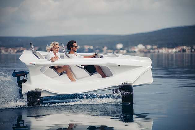 Quadrofoil Electric Personal Watercraft