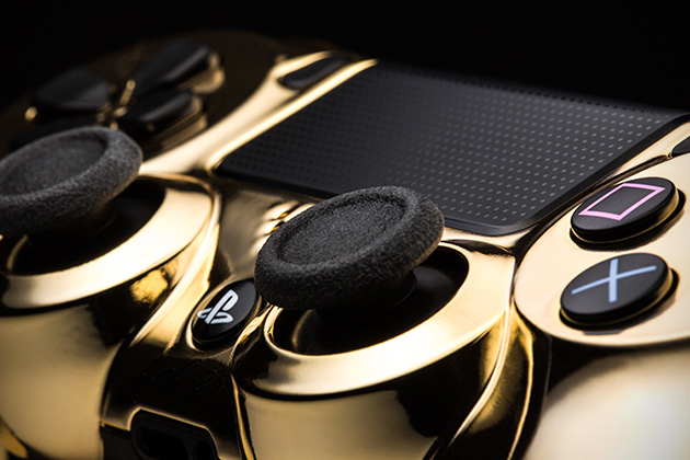 24k Gold Gaming Controllers by Colorware 2