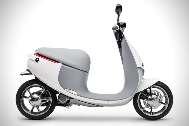 Gogoro Electric Smart Scooter 2