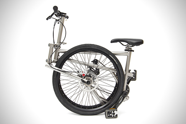 Helix Titanium Folding Bike 2
