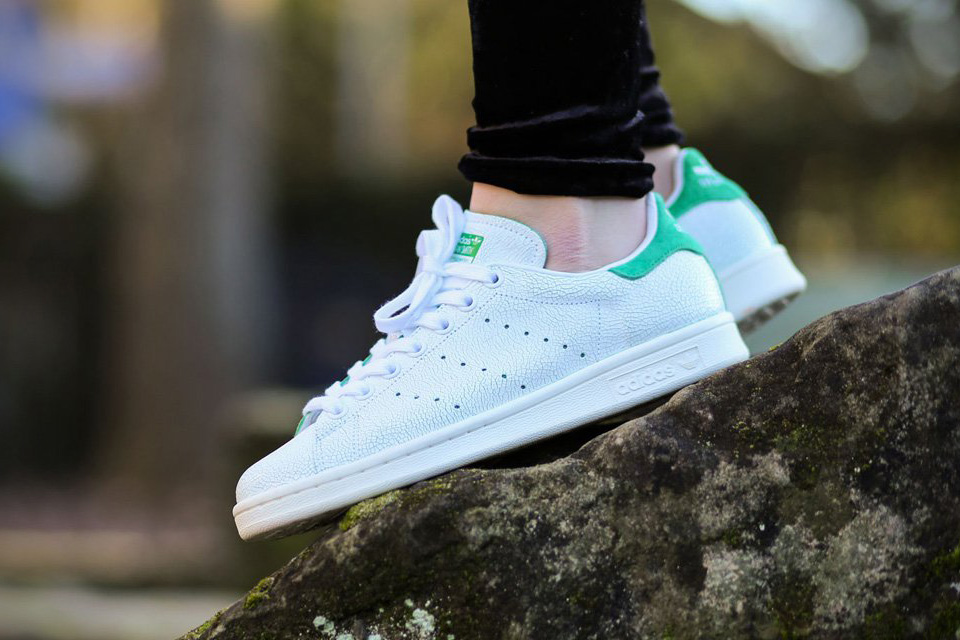 e0340a7ee7c1 Adidas Stan Smith Cracked Leather