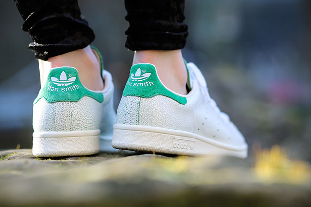 0272a0138ff5e9 Adidas Stan Smith Cracked Leather 1