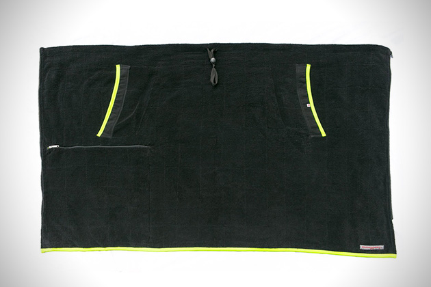 The Roomel Privacy Towel 3
