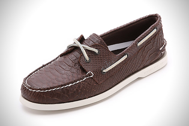 fc5347cb3f98b Out to Sea  20 Best Boat Shoes for Men