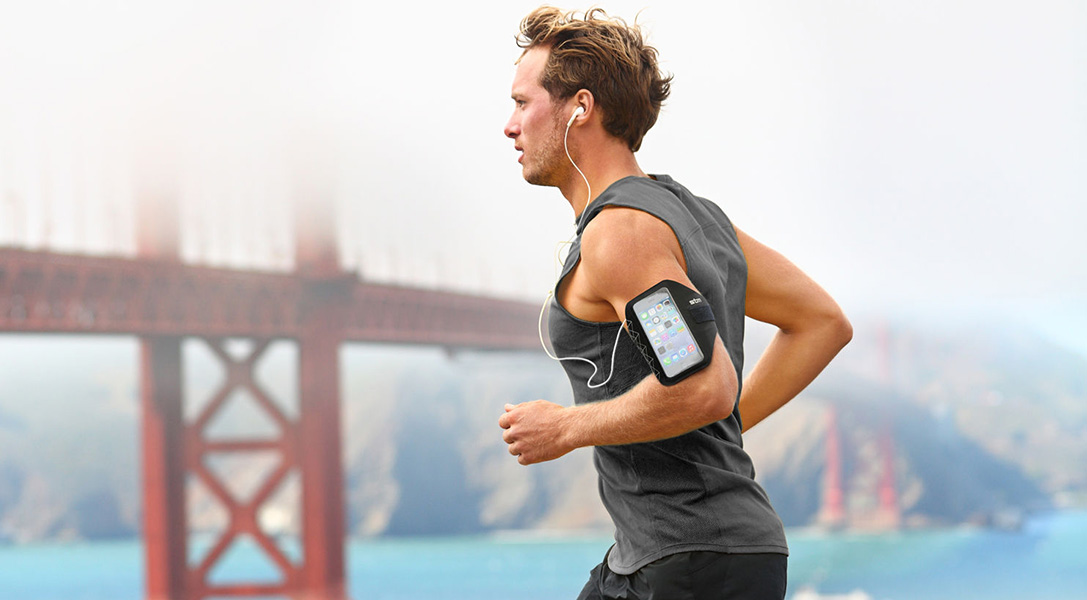 more photos 0aee5 8c5d4 Strap In: The 8 Best iPhone 6 Armbands for Running | HiConsumption