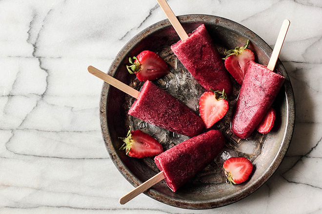 Roasted Strawberry Red Wine Popsicles
