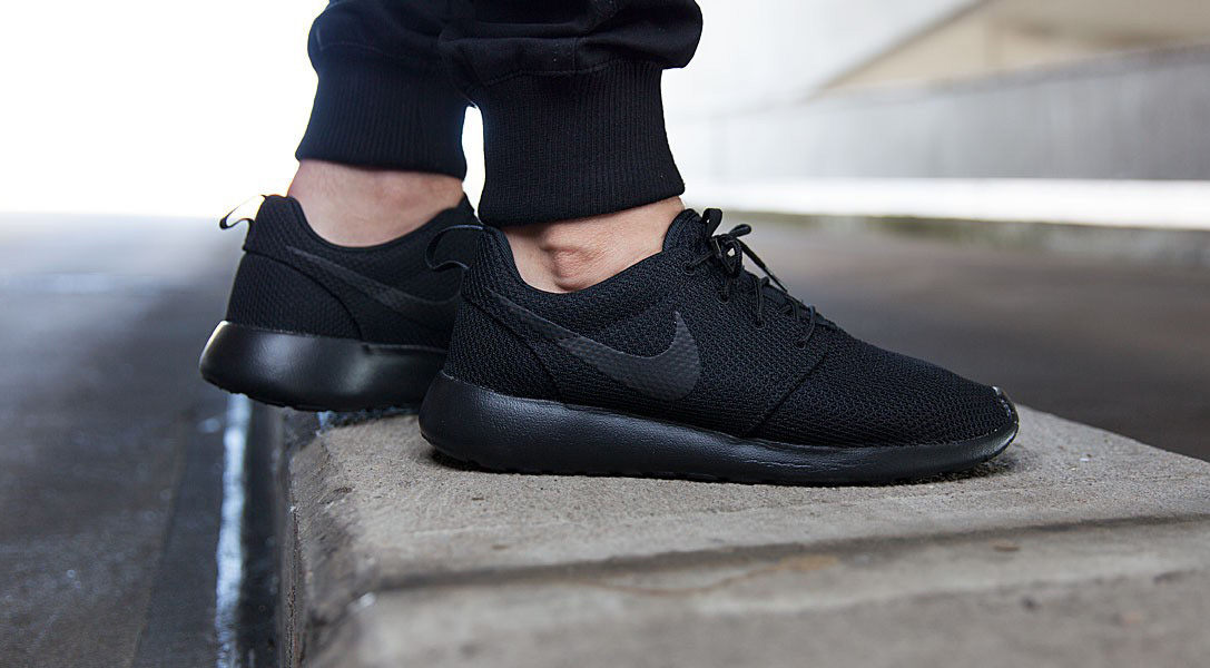 new arrival b2e9c c3e6a Nike Roshe One 'Triple Black' | HiConsumption