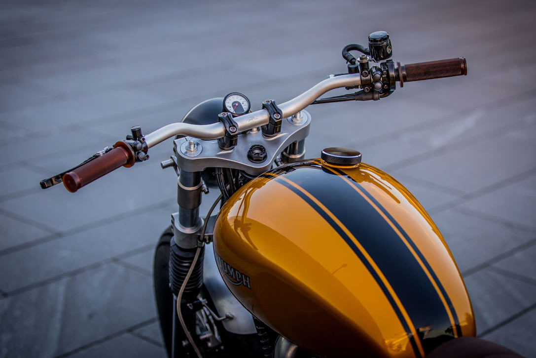triumph thruxton by down  u0026 out cafe racers