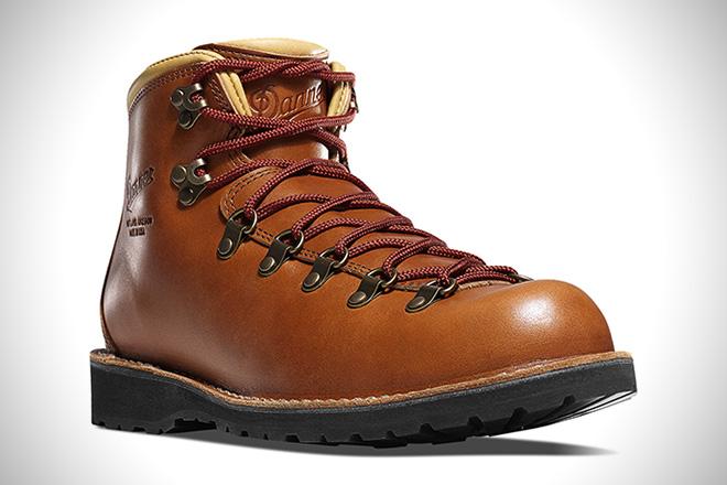 Danner Mountain Pass Horween Rio Boots