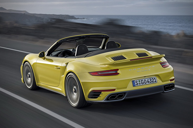 2017 Porsche 911 Turbo and 911 Turbo S 5