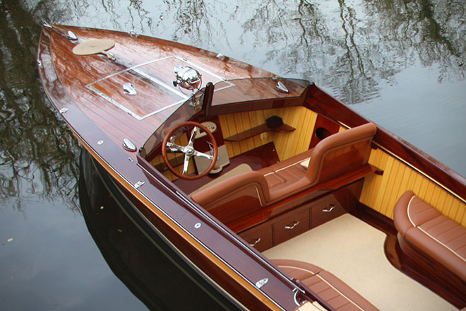 Riverbreeze Powerboat by Frank Stephenson 1