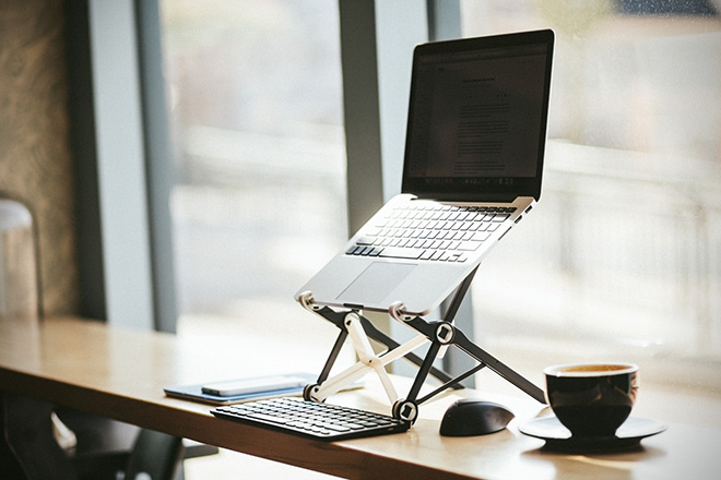 The Roost 2.0 Laptop Stand 02