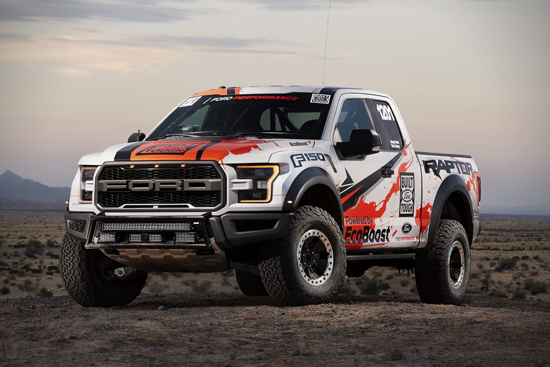 2017 Ford F-150 Raptor Race Truck 01