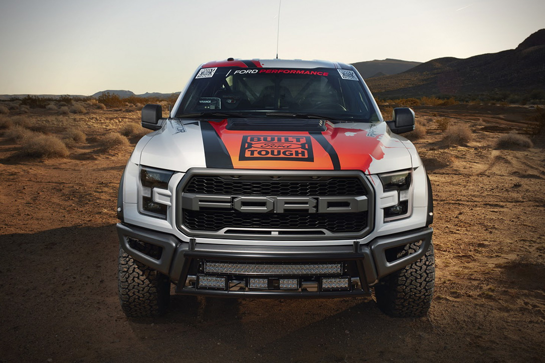 2017 Ford F-150 Raptor Race Truck 02