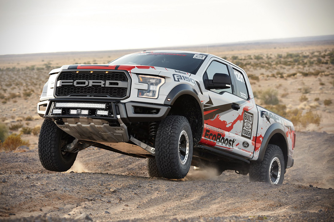 2017 Ford F-150 Raptor Race Truck 03
