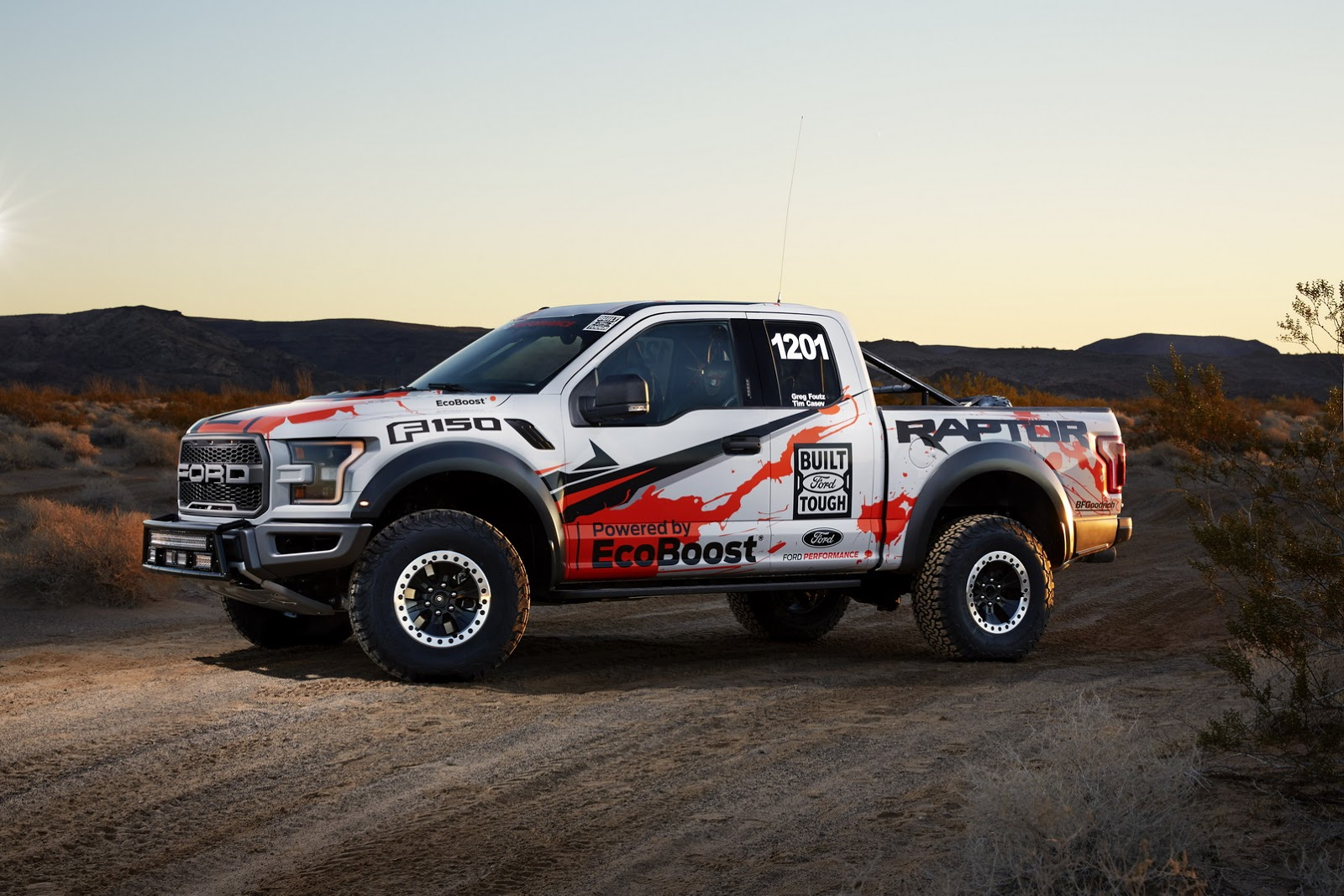 2017 Ford F-150 Raptor Race Truck 3