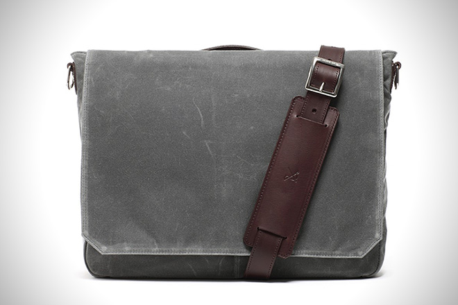 dec0a48db76 The 15 Best Waxed Canvas Bags for Men   HiConsumption