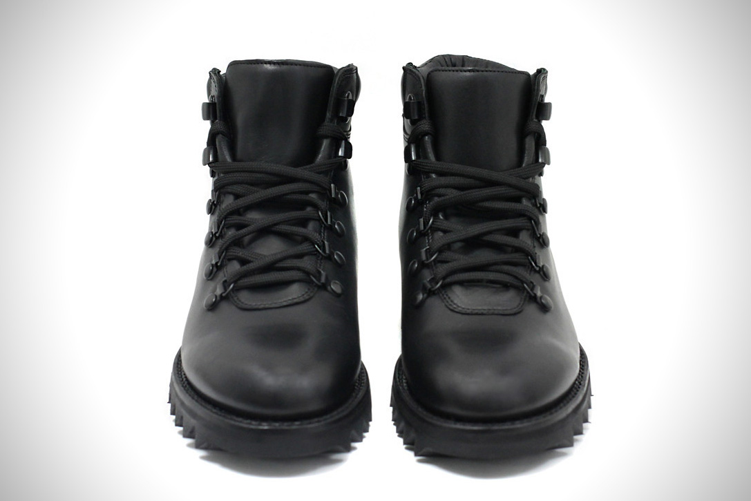 Blackout Commander Boots 02