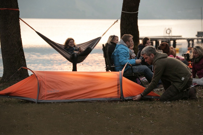 Flying Tent 4