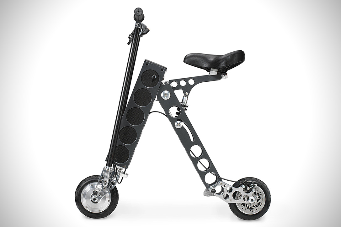 urb e black label electric folding scooter hiconsumption. Black Bedroom Furniture Sets. Home Design Ideas
