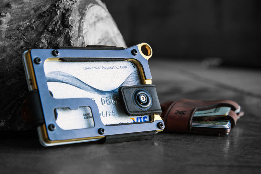 Trayvax Contour Wallets
