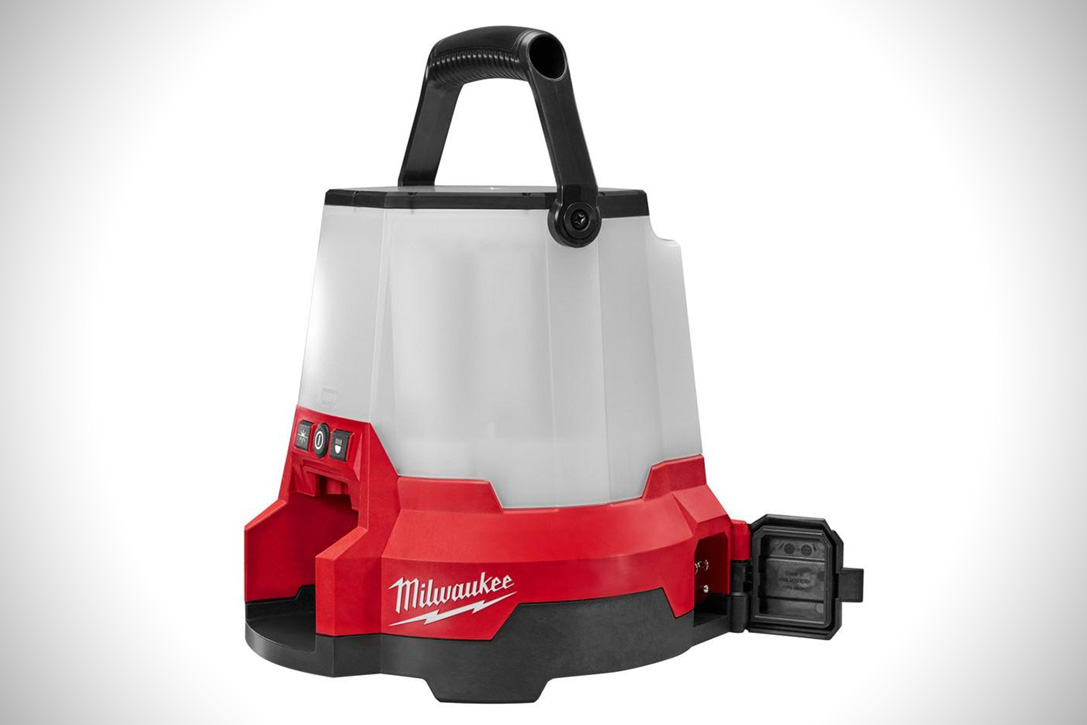 Milwaukee M18 Radius Light 2