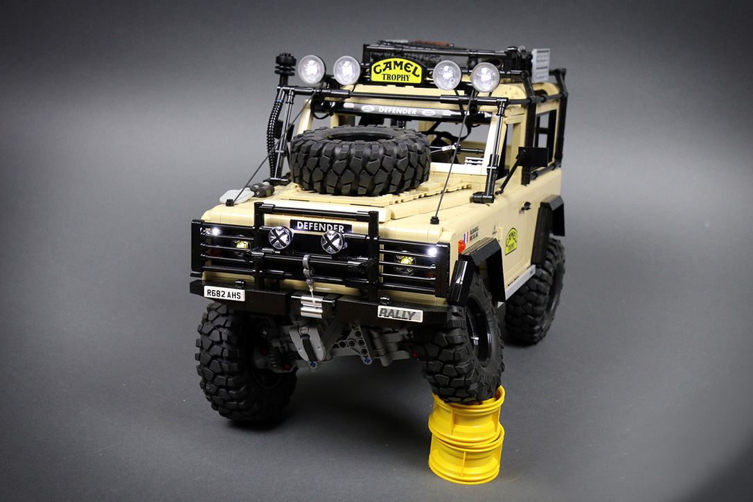 lego rc land rover defender 90 hiconsumption. Black Bedroom Furniture Sets. Home Design Ideas