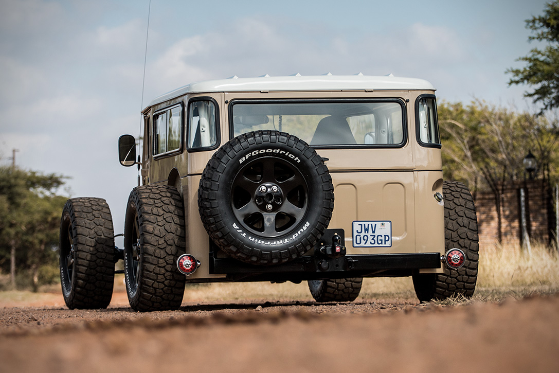Toyota Off Road >> 1976 Land Cruiser FJ 40 Hot Rod | HiConsumption